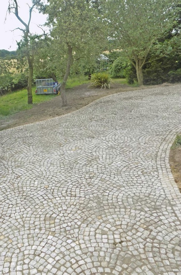 Reclaimed Granite Sett driveway